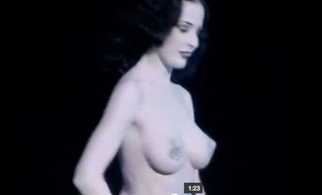 Dita von Teese Striptease!