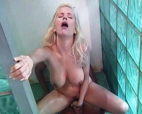 Gina hatte nur echte Orgasmen