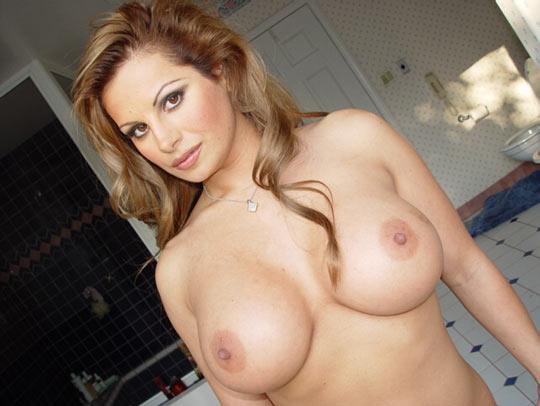 Weiber mit geilen großen Brüsten