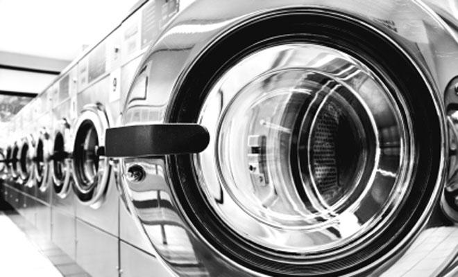 Weiber anbaggern im Waschsalon