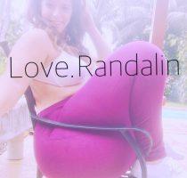 Love Randalin sprengt den Gartenstuhl
